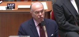 Cazeneuve annonce «1 233 perquisitions» menées depuis les attentats du 13 novembre