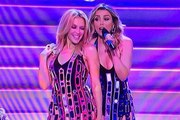 Kylie Minogue – 100 Degrees with Dannii Minogue (The X Factor Australia Performance)