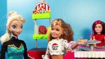Frozen Elsa Goes to Barbie PIZZERIA DOG IN OVEN Pizza Hut Barbie Play-Doh Disney Barbie Parody