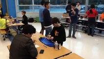 En menos de cinco segundos niño resolvió Cubo de Rubik