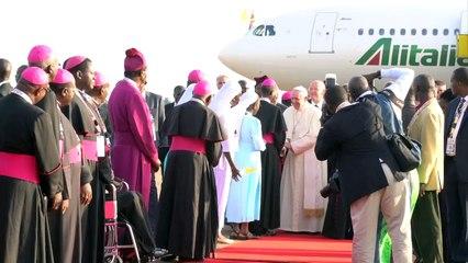 Le pape poursuit sa tournée africaine en Ouganda