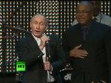 Bravo Mr Poutine vraiment  homme a tout faire Pianiste Chanteur Président Homme d état décidément  un Homme plein de surprise