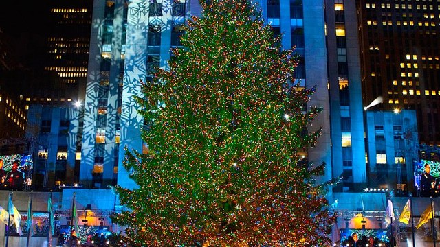 3 Facts About the Rockefeller Center Christmas Tree