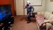 Парень спросил Отец, а ты умеешь танцевать Отец наглядно ответил