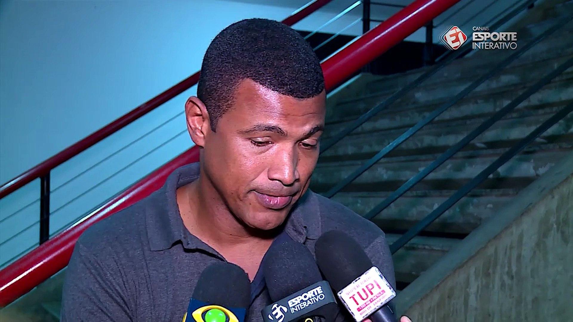 Campeão da Copa do Brasil e do Brasileiro pelo Flamengo, Júnior Baiano fala sobre os possíveis trein