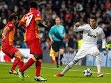Freestyle Football Skills - Warm Up - SkillTwins CRAZY Nutmeg⁄Panna Skill vs. Football Professional Player! ★Cristiano Ronaldo - The Gold Man - Skills,Passes and Goals HD Pt.9
