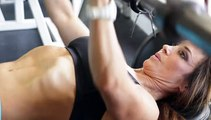 The Weight Differences Between Decline & Bench Presses
