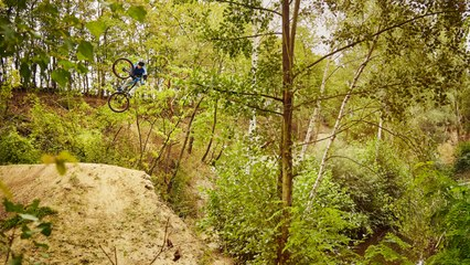 Peter Henke's MTB Dream Compound | Seasons of Shred with Andrew...