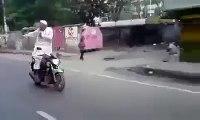 Bike Stunts in Pakistan Punjab Baba Ji Cha Gaye