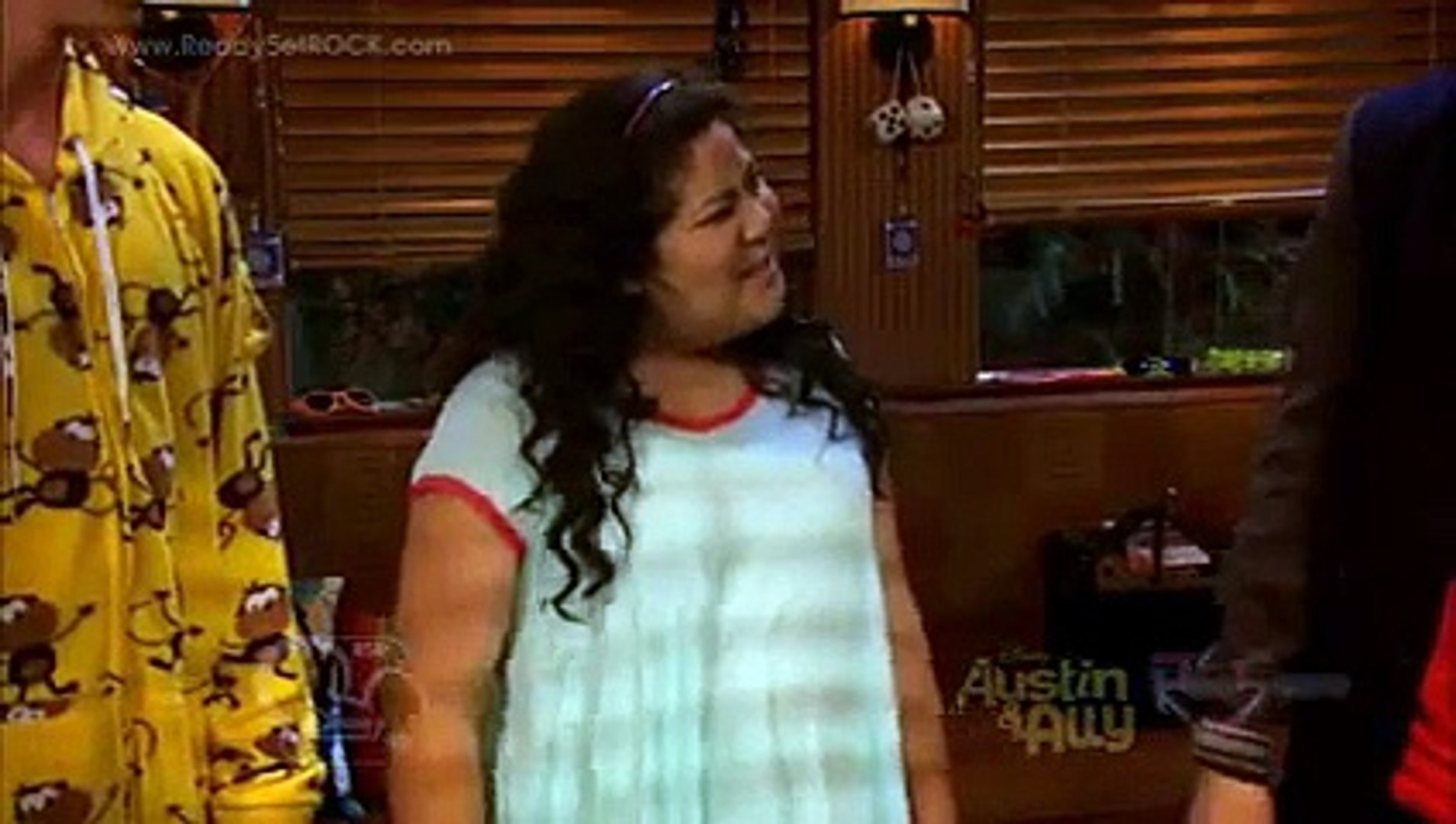 Austin & Ally - Presidents & Problems Clip [HD]