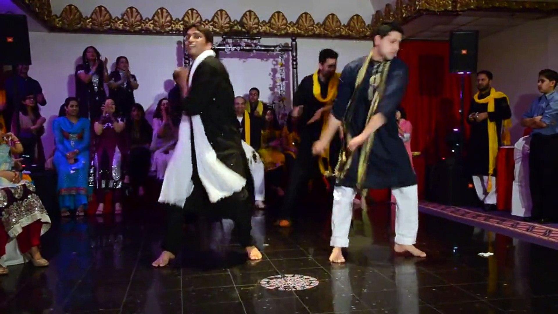 Outstanding Mehndi dance competition on song Angraigy Beet te