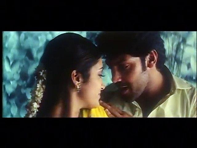 Renuka Menon Romance with Aarya | Kalaba Kadhalan