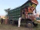 Pakistan: une nouvelle génération de conductrices en deux-roues et en camion