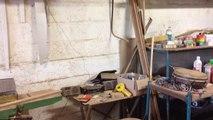 Cet artisan fabrique des percussions afro-cubaines