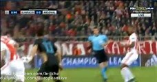 Kostas Fortunis gets Yellow card for DIVING - Olympiakos vs Arsenal - Champions League - 09.12.2015