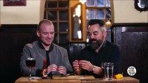 2 potes croquent le piment le plus fort du monde, le résultat est hilarant !