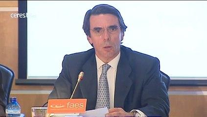 """Aznar: """"Estamos ante amenazas graves y no podemos quedarnos de brazos cruzados"""""""