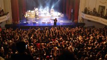 Candlebox chile dic 2015, Kevin Martin´s stage diving