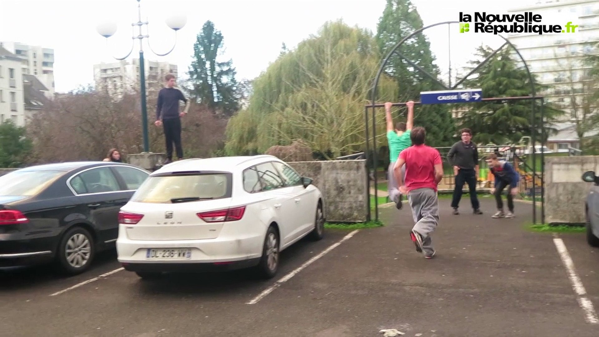VIDÉO. Joué-lès-Tours (37) : ils sautent de mur en mur