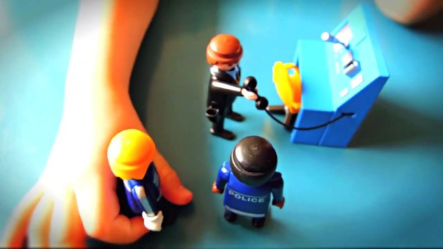 Playmobil Police Selection! ❤️ With Fireman Sam, Postman Pat, Peppa Pig Episode with Toys.❤️ 2015
