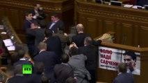 Une nouvelle violente bagarre éclate au sein du parlement ukrainien