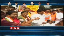 Running Commentary : Opposition Parties Protest against TRS Government Farmer Suicides
