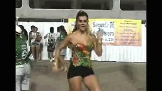 whatsapp funny videos 2016 2015  girl high heels dancing fail viral video  whatsapp funny videos