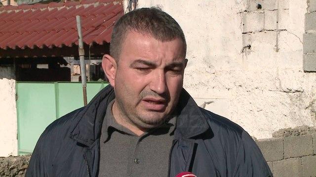 Hiqet shtylla e tensionit që ndodhej në mes të rrugës - Top Channel Albania - News - Lajme