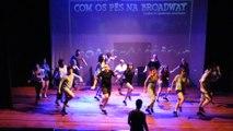 99 - Com os Pés na Broadway - Ensaio