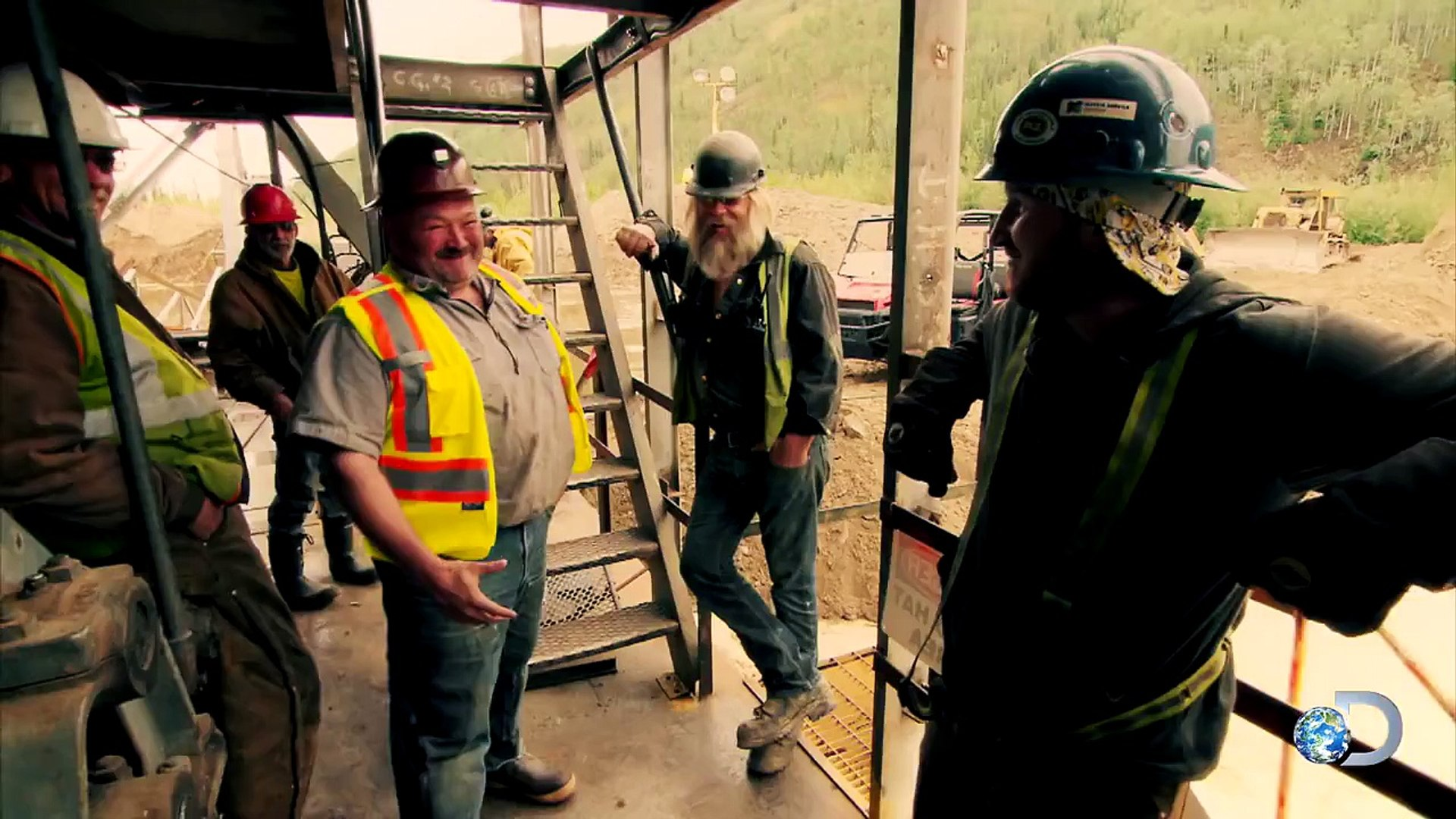 Tony Beets Finds a New Dredge Captain | Gold Rush