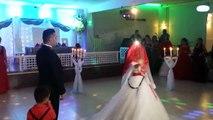 Düğün Dediğin Böyle Olur - Muhteşem Giriş