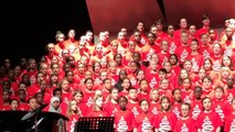 Children's Choir welcomes Refugees with heart warming Arabic Song in Canada