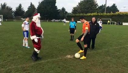 Coup d'envoi Givrand - Landevieille avec le Père Noël
