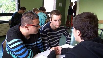 La médiation par les pairs : la formation des élèves