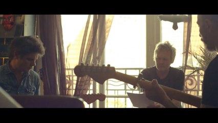 Oiseaux Tempêtes feat. G.W. Sok et Gareth Davis - Ütopiya / On Living | A Take Away Show
