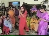 Leaked Video of Saba Qamar Dancing in House When She Was Young