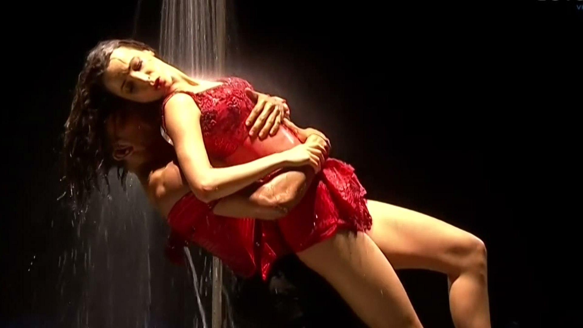 Sanaya Irani Hot Performance on Jhalakh Dikhhla Jaa HD - video Dailymotion