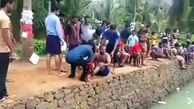 FUNNY ACCIDENT IN INDIA  FUNNY WHATSAPP VIDEOS  FUNNY INDIAN VIDEOS