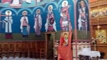 Superb! Daca iti place DISTRIBUIE! Leru-i ler, versuri Radu Gyr. Mănăstirea Dumbrava din județul Alba Călin Merca, de profesie avocat, și Emil Floare, IT-ist, au fost filmați în timp ce colindau în mănăstire.