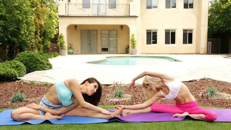 Yoga Session ,Yoga Body Workout – YogaFit, Yogaacro, Yoga Fitness,  Yoga Pants  Total Pro Sports.