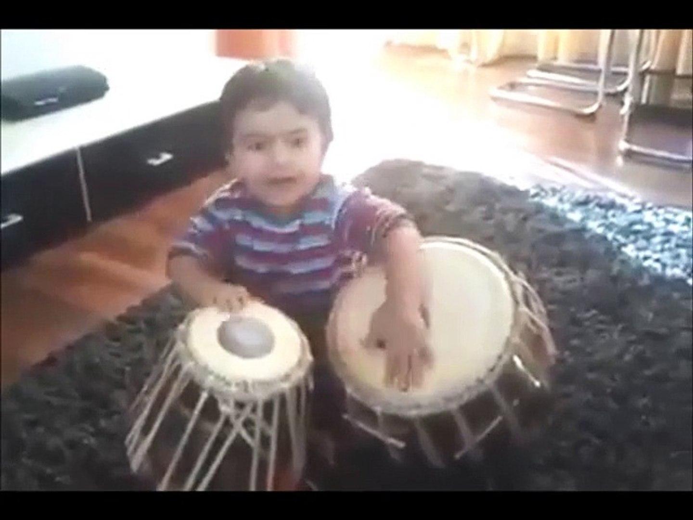 Cite Little Kid Playing Tabla - Talented Kid