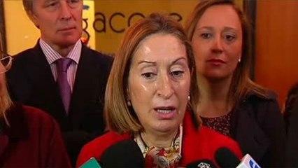 """Ana Pastor: """"Rajoy demostró ayer una vez más que es una persona serena aunque le hayan partido la cara"""""""