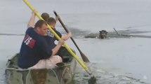 Ils sauvent un chien piégé dans l'eau glacée d'un lac