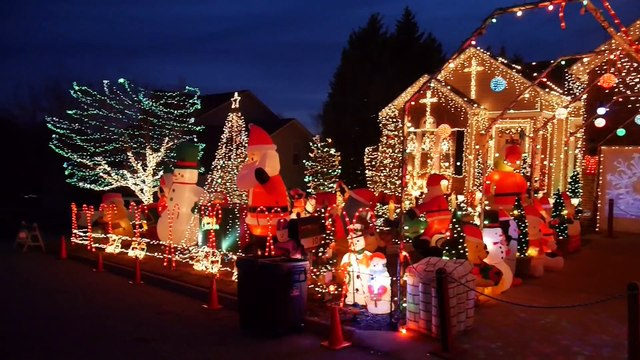 Tommy & Tony's Holiday Lights - 325,000 + Christmas Lights !