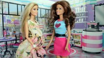 Barbie Leticia e Barbie Vivi Comprando moveis do Bebe!!! Em Portugues [Parte 46] Tototoykids