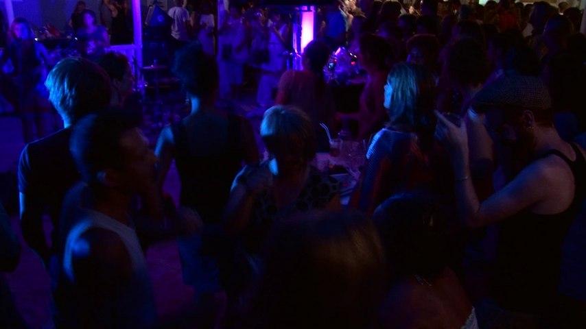 Emile Omar - DJ Oil - Camila Costa - La Ola - Festival Fiest'A Sete 2013 | Godialy.com