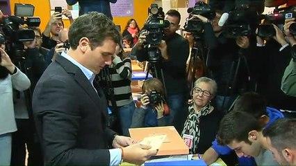 Rivera vota en Hospitalet antes de viajar hacia Madrid