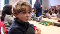 Les seniors chantent Noël à l'école Jules Ferry
