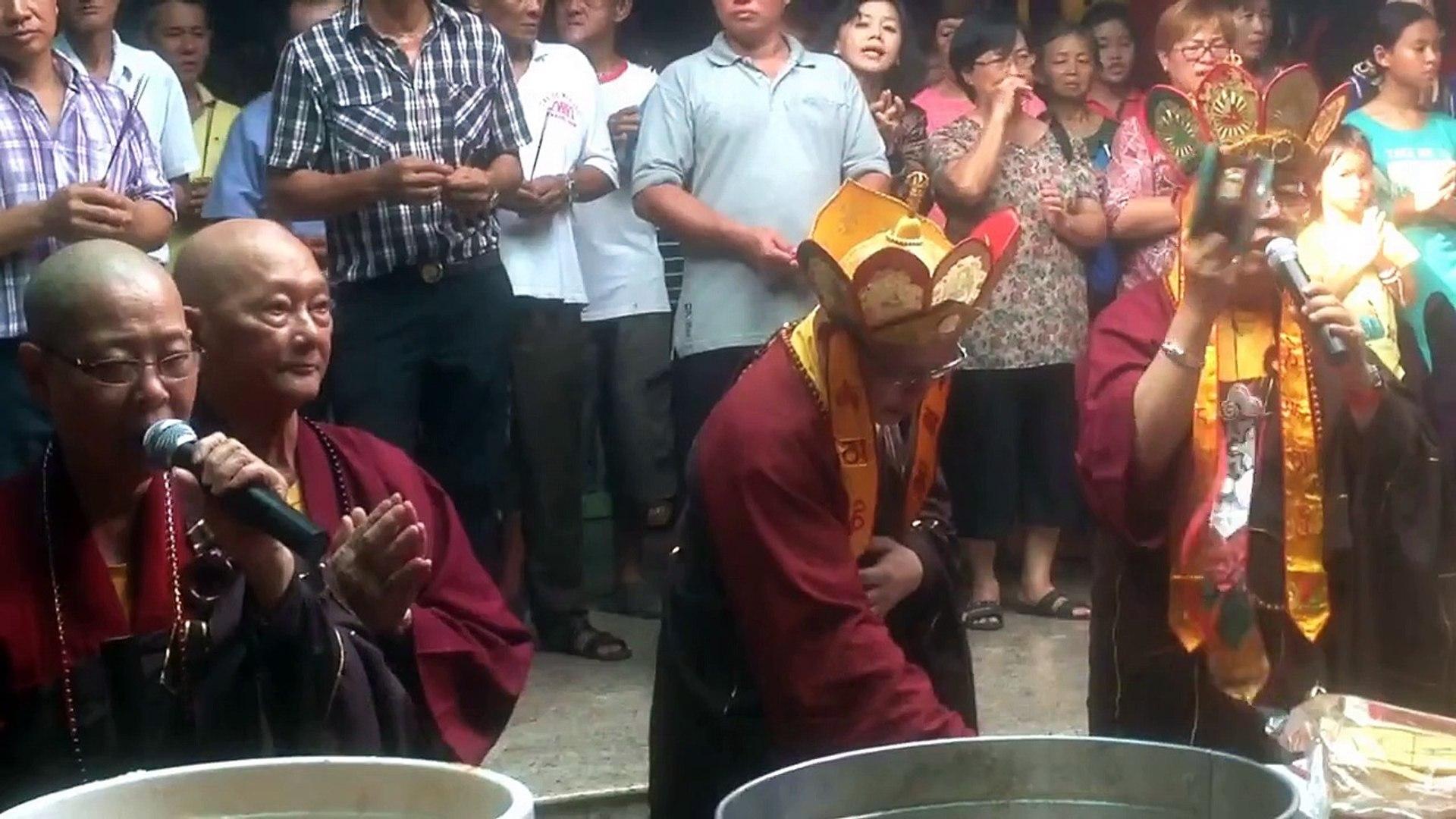 Sembahyang di Hari Akhir Kirab Budaya, Doakan Leluhur di Alam Lain