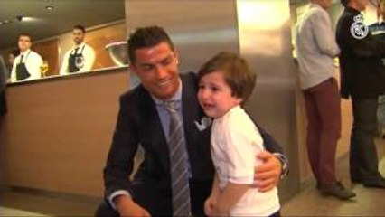Cristiano Ronaldo Meets Haidar - The Boy Who Lost Both Parents 2015 HD